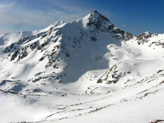 Two day winter trek in Pirin Mountains - climbing the peaks Disilitsa and Dzhano! Extreme views and emotions