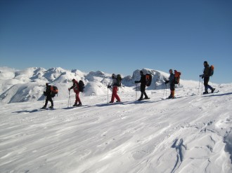 Winter trek in Rila mountains - Haramiata, Zeleni ridge and Ivan Vazov lodge